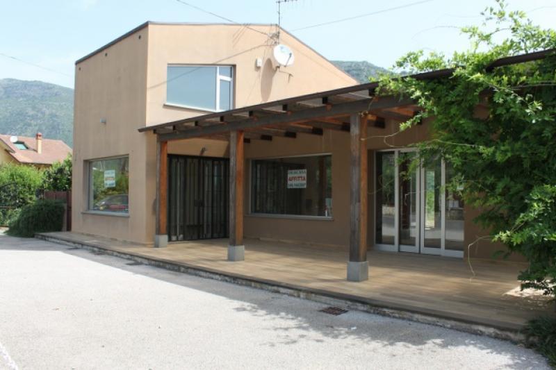 Monte San Biagio (LT) - Locale Commerciale